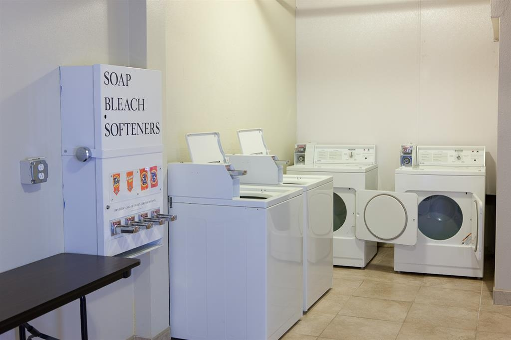 Best Western Plus Edgewater Hotel - Guest laundry is available 24 hours a day.