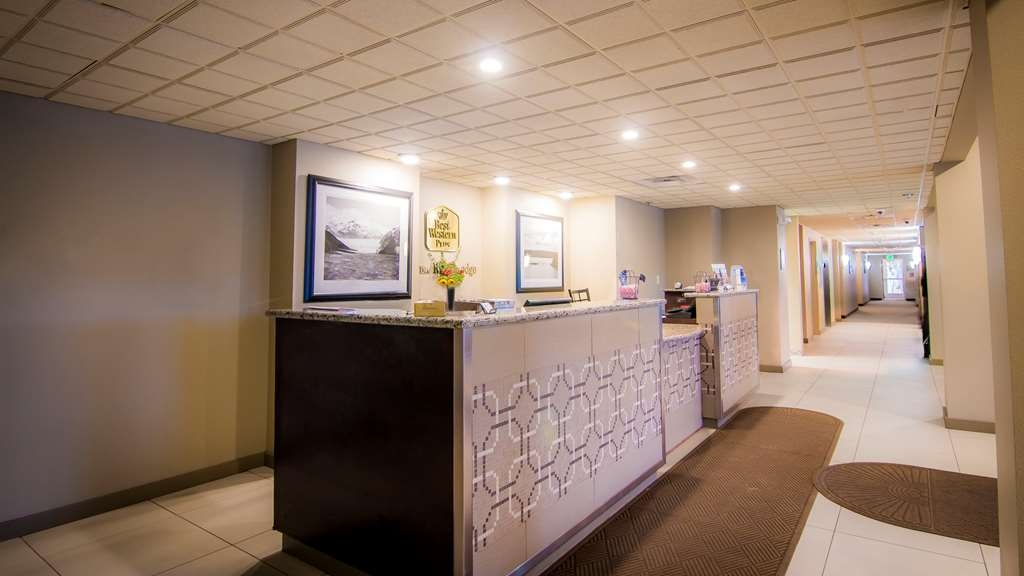 Best Western Plus Chena River Lodge - Our Front Desk staff is available 24-hours