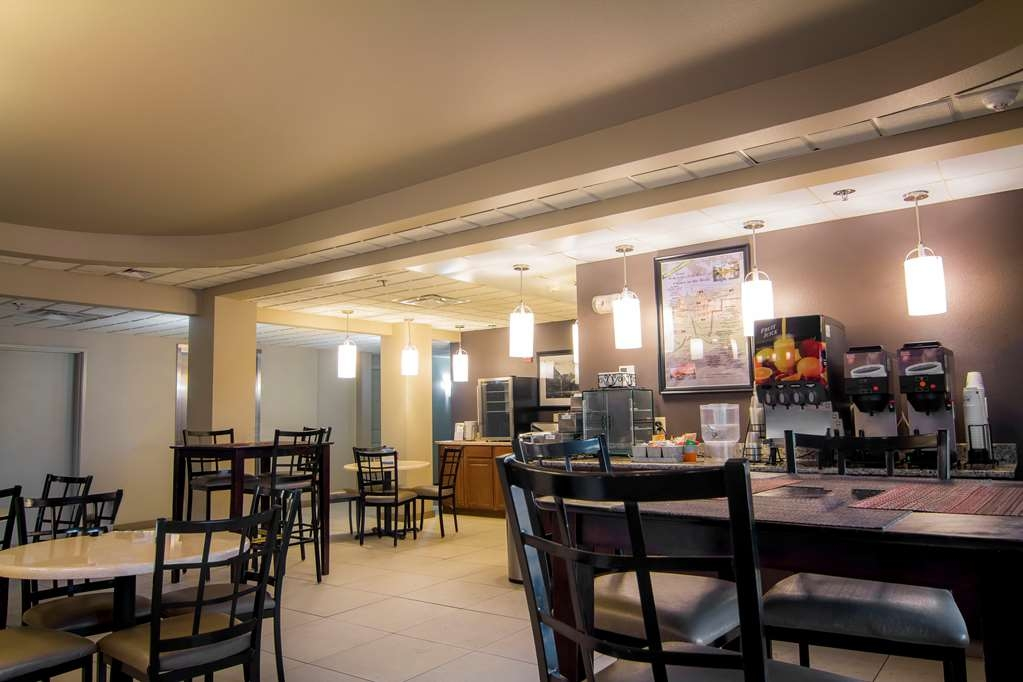 Best Western Plus Chena River Lodge - Breakfast is included with your stay