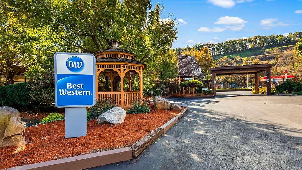Best Western Braddock Inn - Exterior