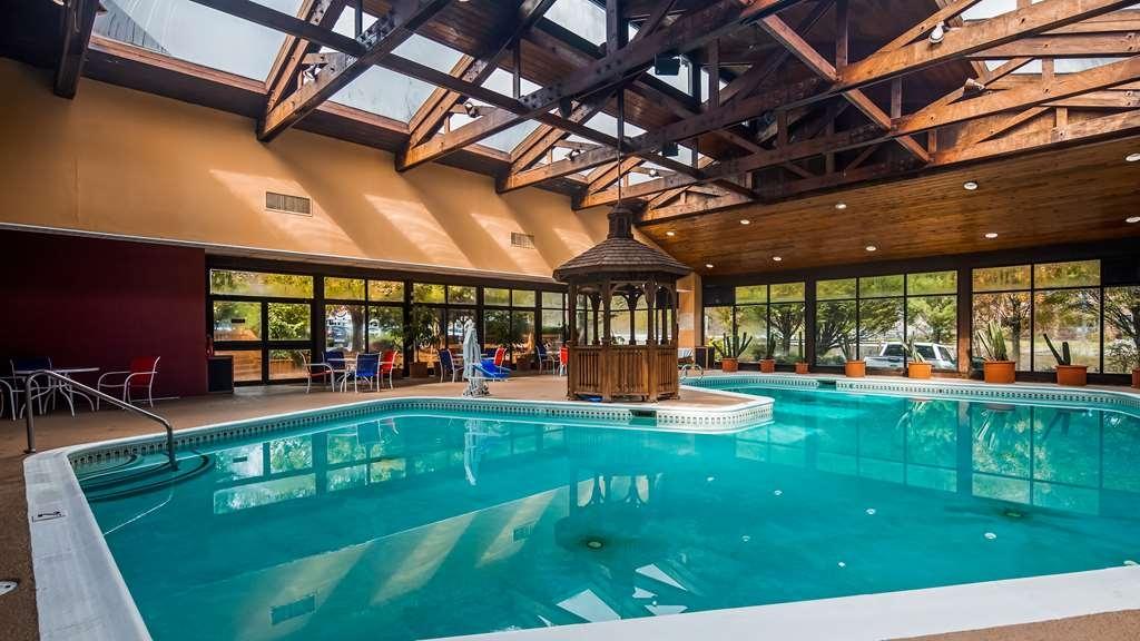 Best Western Braddock Inn - Vue de la piscine