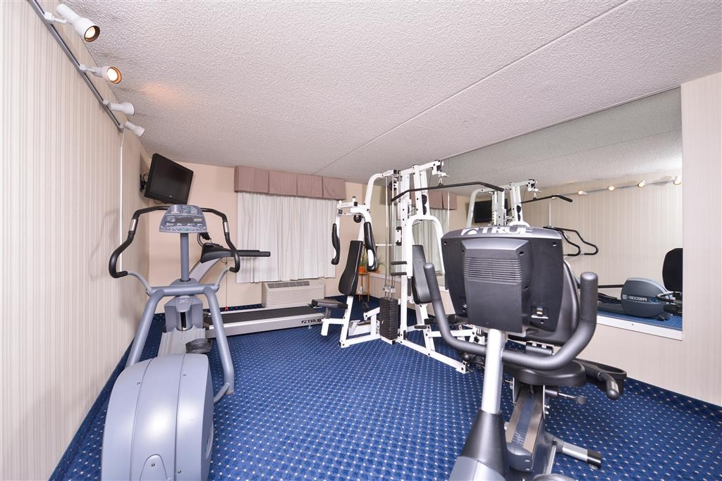 Best Western La Plata Inn - Catch an episode of your favorite television show while working out.