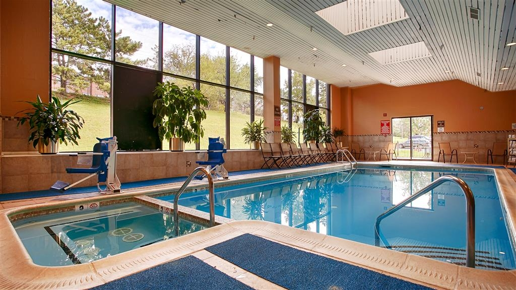 Best Western Plus Hotel & Conference Center - Vue de la piscine
