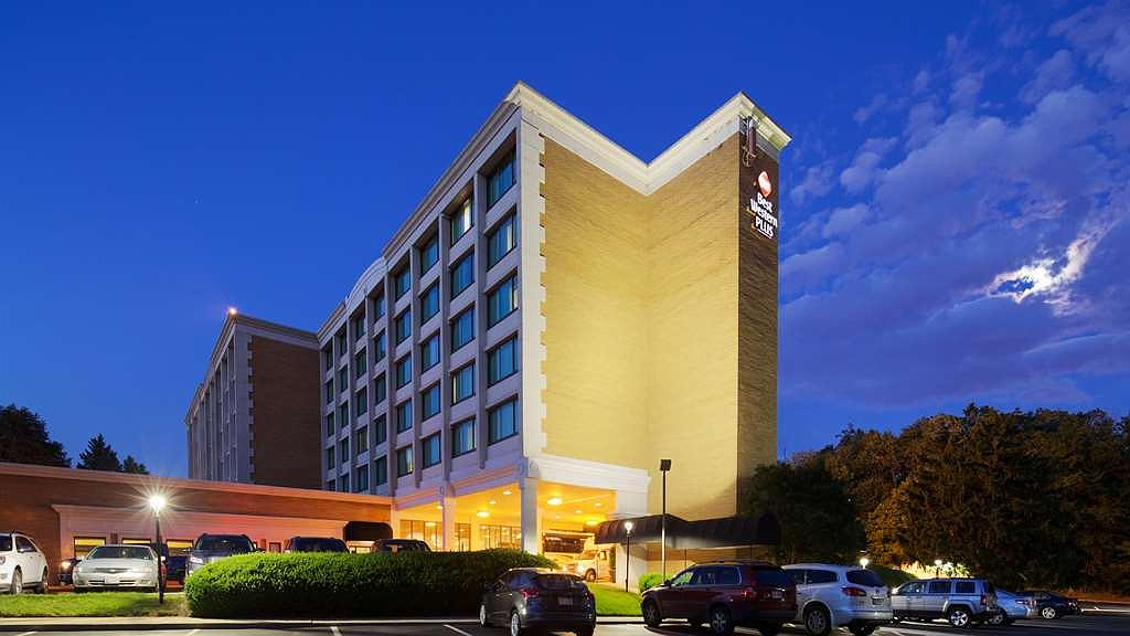 Best Western Plus Rockville Hotel & Suites - Our hotel exterior at night is well-lit with curb appeal and plenty of lit parking.
