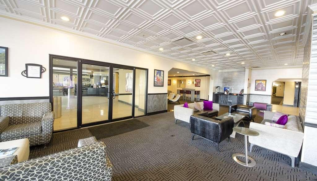 Best Western Plus Rockville Hotel & Suites - Lobbyansicht