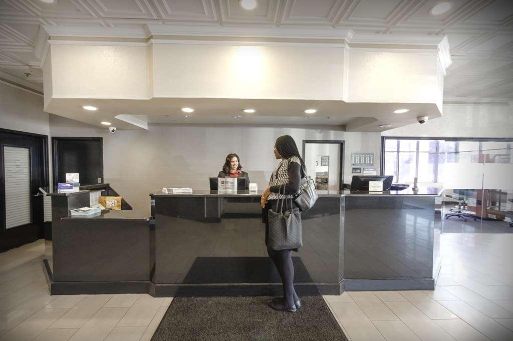 Best Western Plus Rockville Hotel & Suites - Vista del vestíbulo