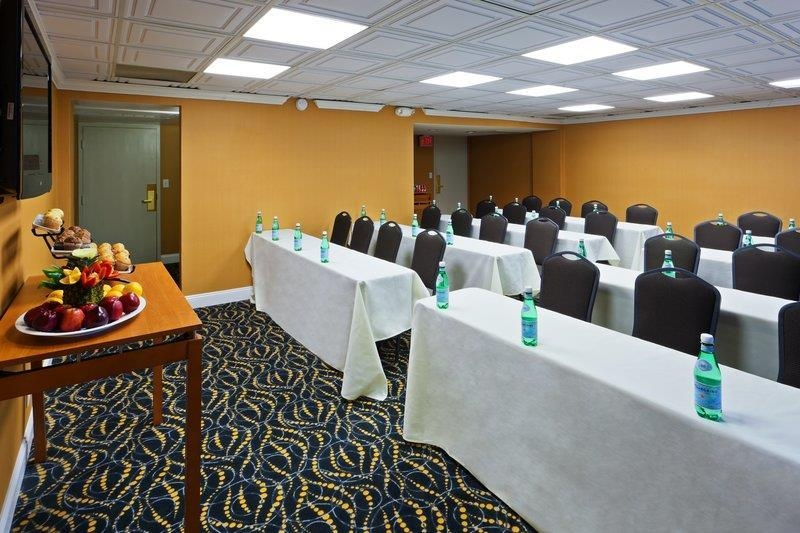 Best Western Plus Rockville Hotel & Suites - sala de conferencias