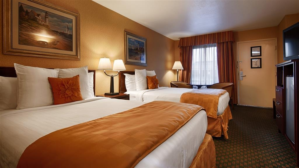 Best Western Salisbury Plaza - Guest Room two double beds