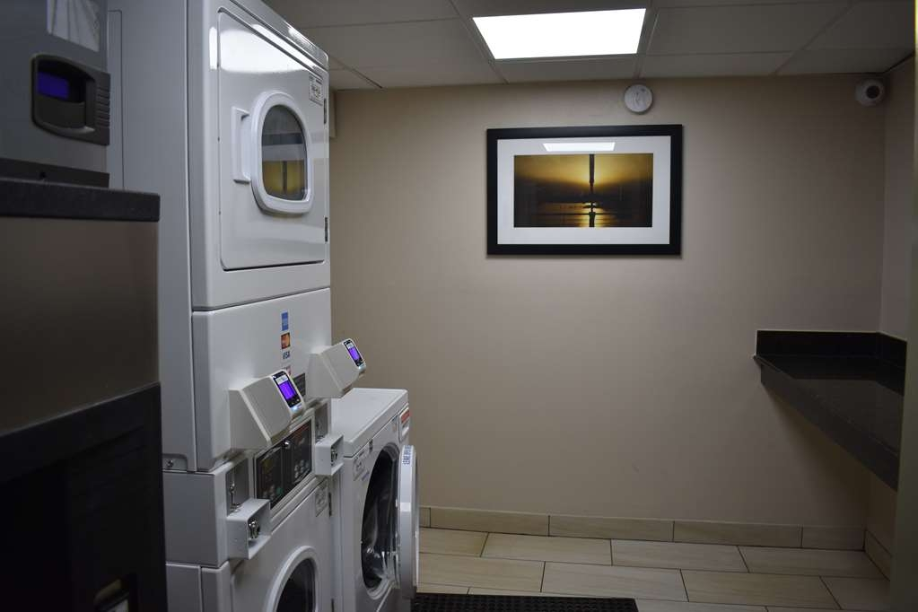 Best Western Annapolis - Guest Laundry