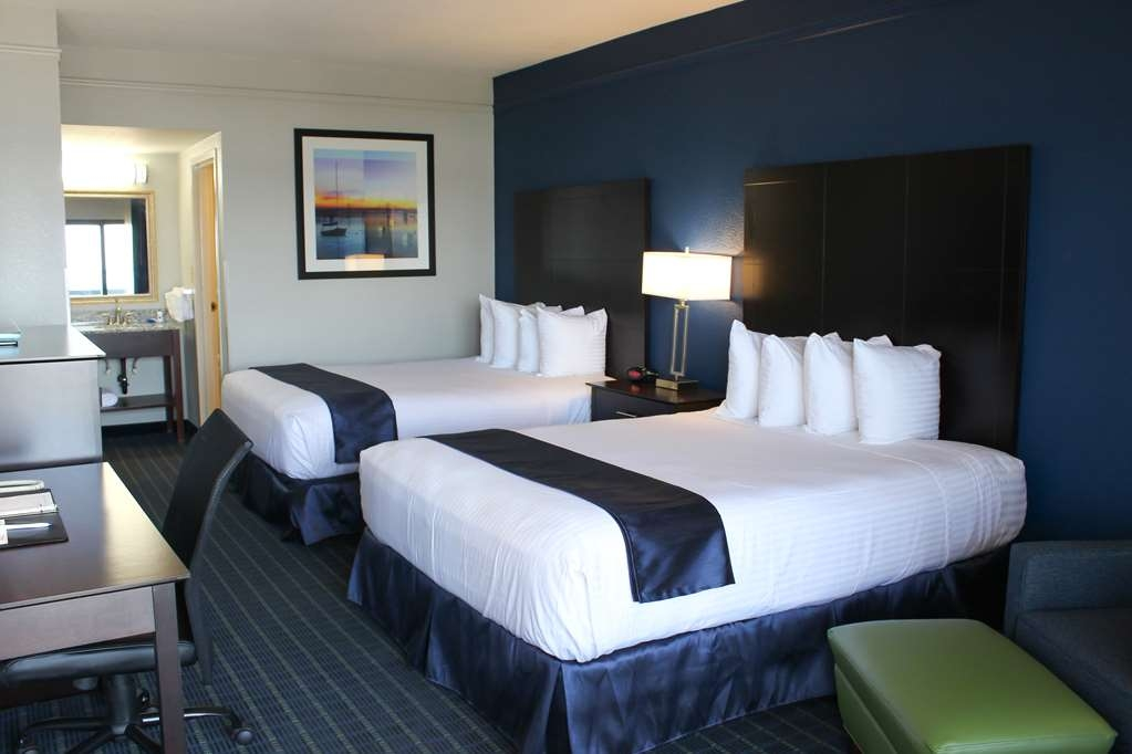 Best Western Kent Narrows Inn - Guest Room with Two Queen Beds
