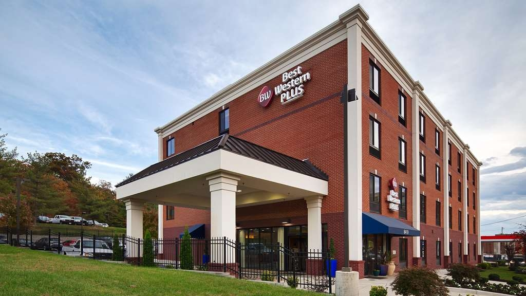 Best Western Plus College Park Hotel - Vista Exterior