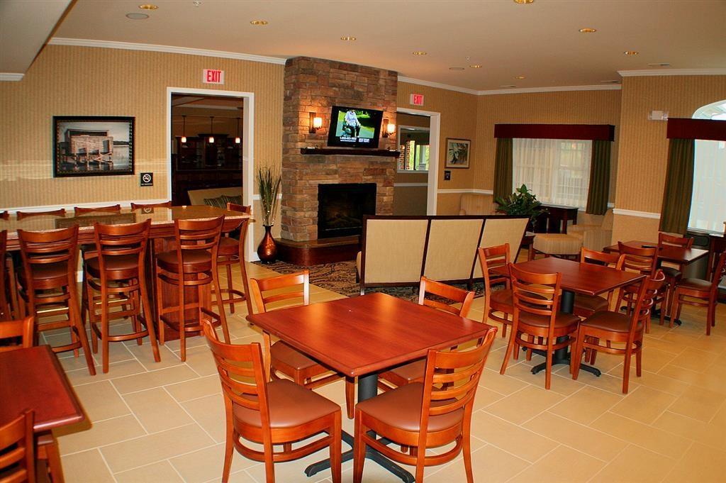 Best Western Plus Easton Inn & Suites - Zona de desayunos