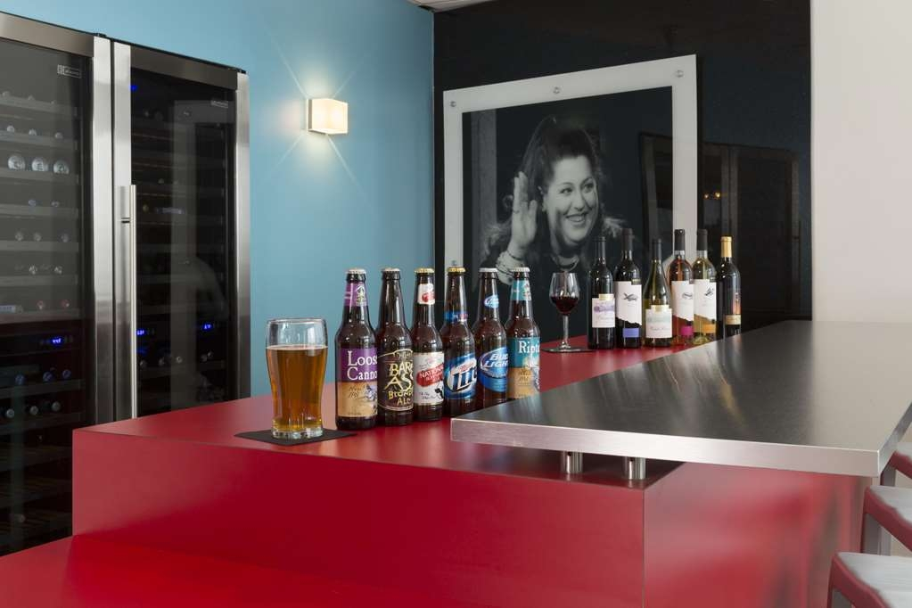 Brookshire Suites Inner Harbor, BW Premier Collection - Serving Beer & Local Wine