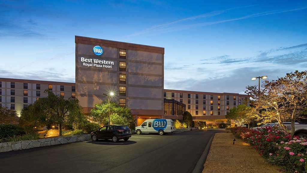 Best Western Royal Plaza Hotel & Trade Center - Area esterna
