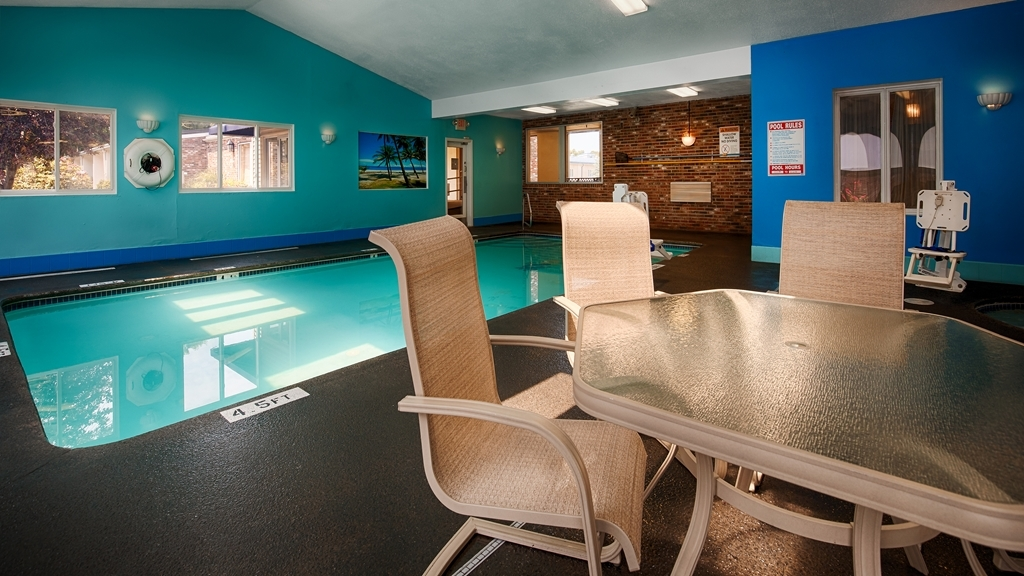 Best Western Merrimack Valley - Piscina