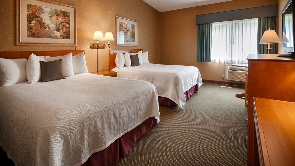 Best Western Merrimack Valley - If you're traveling with your family or group of friends, opt for our two queen bedroom.