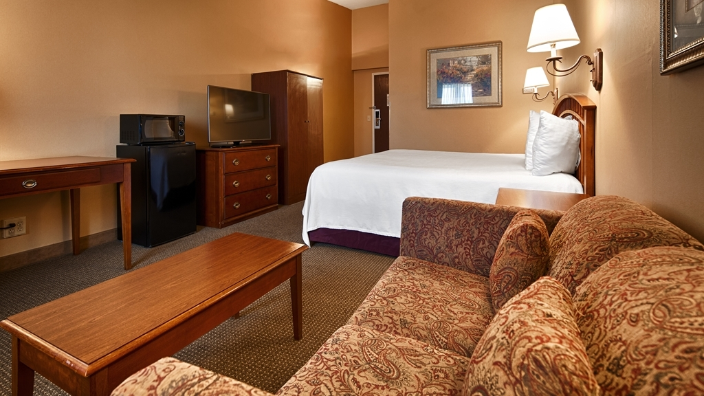 Best Western Merrimack Valley - Designed for corporate and leisure traveler alike, make a reservation in this king room.