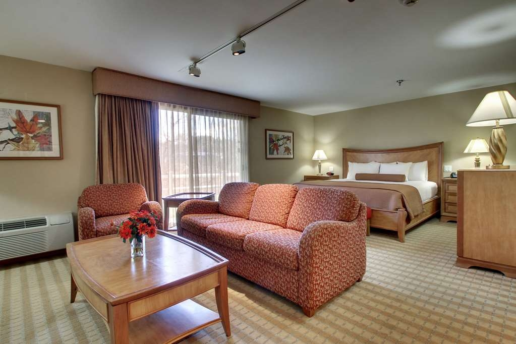 Best Western at Historic Concord - Suite