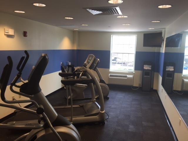 Best Western Adams Inn Quincy-Boston - Our fitness center is outfitted with everything you need for a great workout.