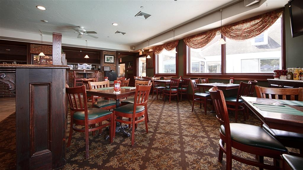Best Western Adams Inn Quincy-Boston - Welcome to The Adams Cafe, serving a variety of American menu options.