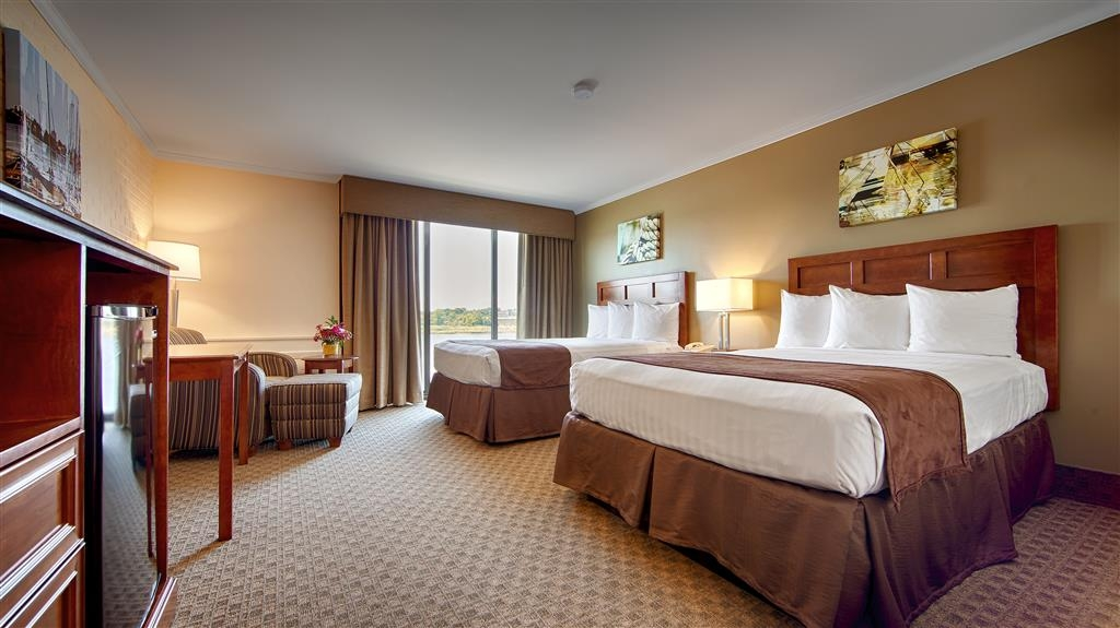 Best Western Adams Inn Quincy-Boston - If you're traveling with your family or group of friends, opt for our two double bedroom.