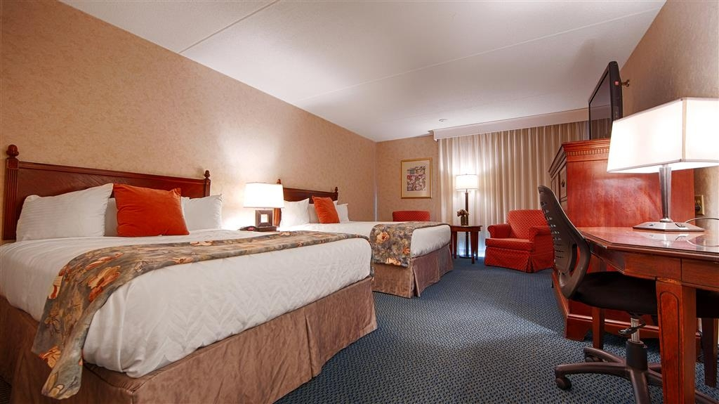 Best Western Plus Chelmsford Inn - Have the perfect family trip in Chelmsford, Massachusetts and stay in our 2 double bedroom.