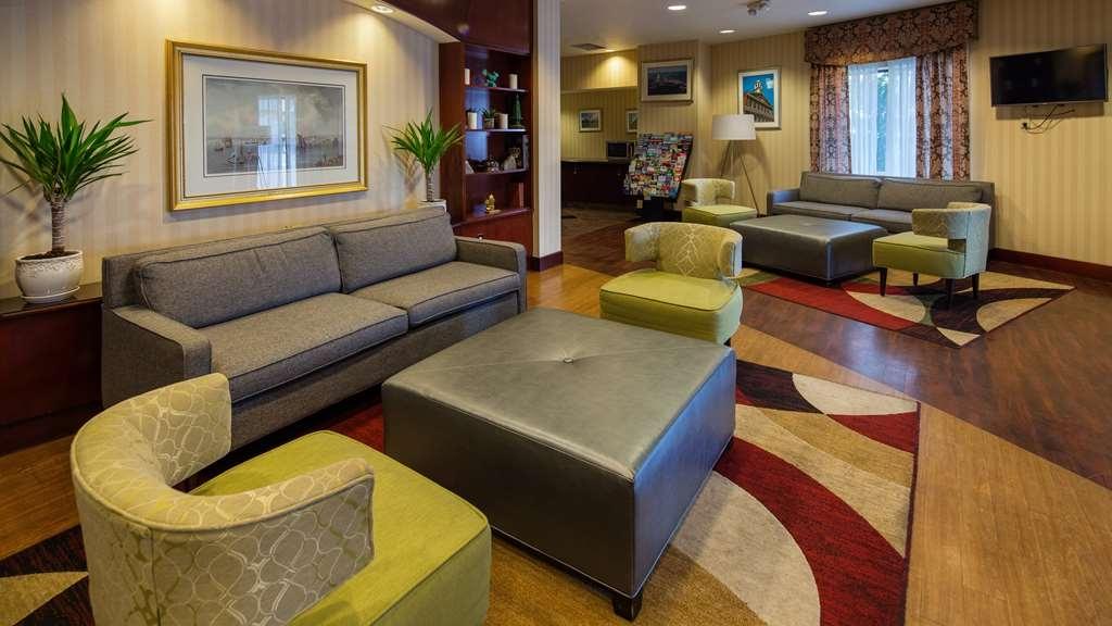 Best Western Plus Boston Hotel - Vista del vestíbulo