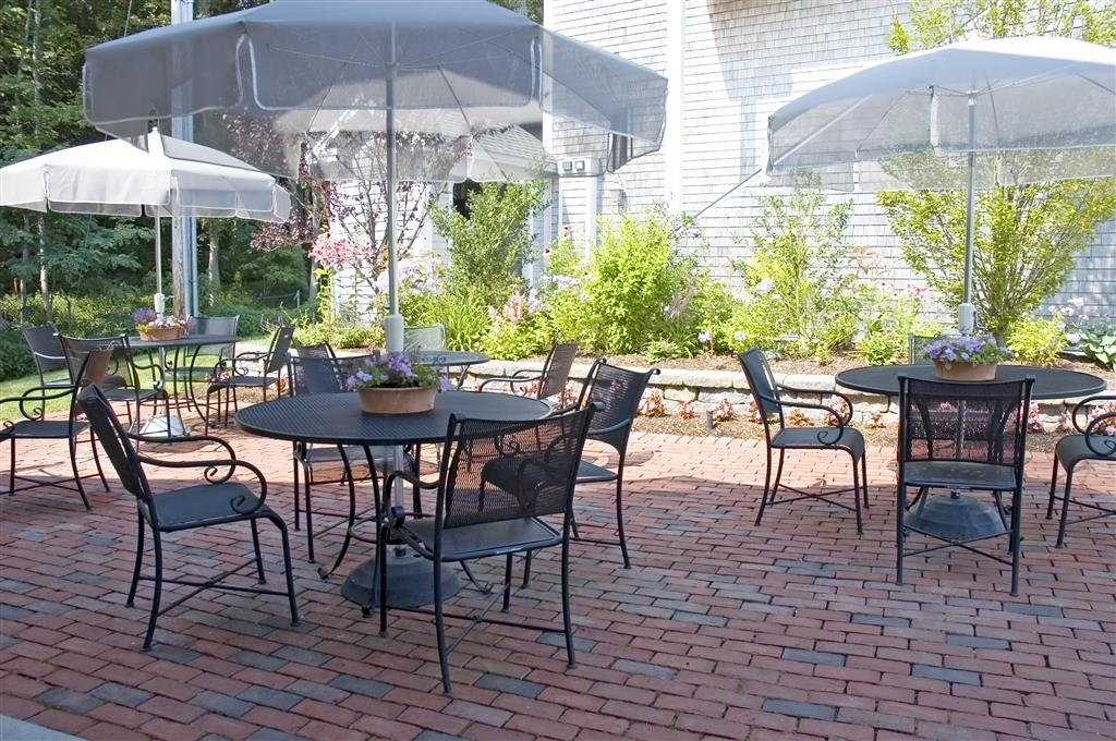 Best Western Plus Cold Spring - The garden patio is the perfect place to relax and enjoy nature.