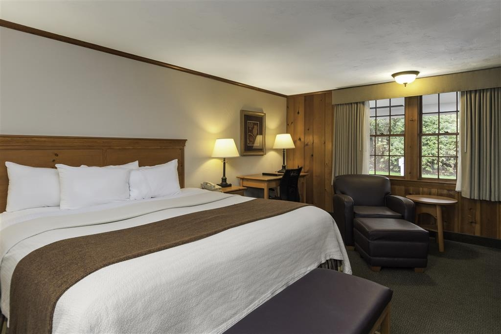 Best Western Plus Cold Spring - Spend a special night together in our in our king guest room.