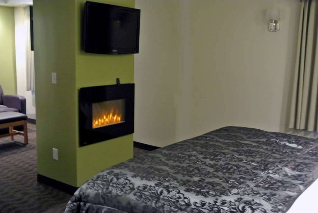 Best Western Plus Cold Spring - This king guest room offers a jetted tub, electric fireplace and free high-speed Internet access.