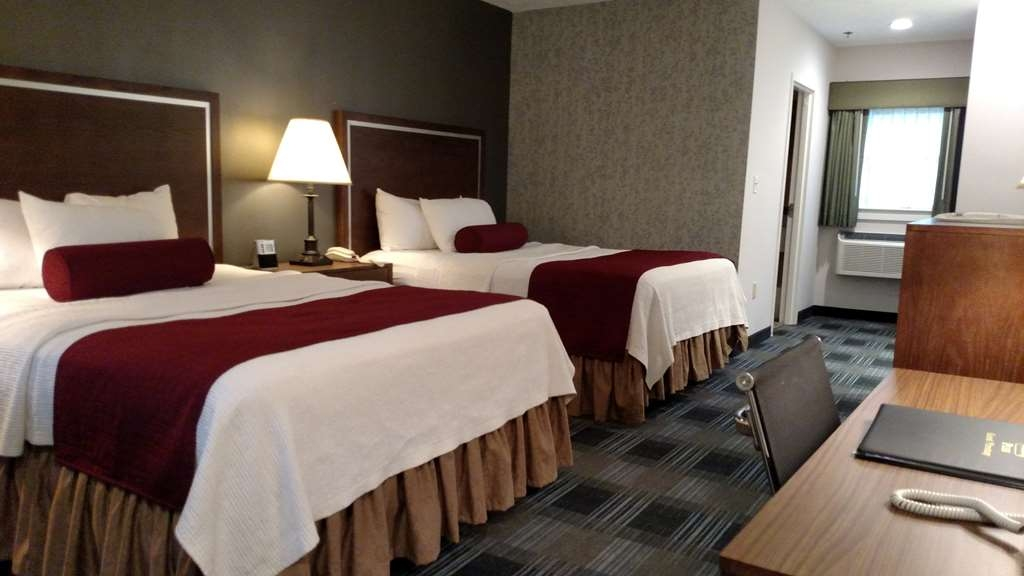 Best Western Plus Cold Spring - We offer a variety of double queen rooms from standard queens to deluxe and mobility accessible.