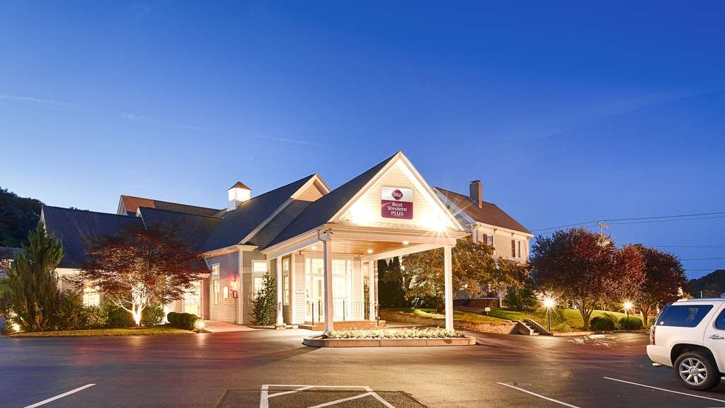 Best Western Plus Cold Spring - Welcome to the BEST WESTERN PLUS Cold Spring!