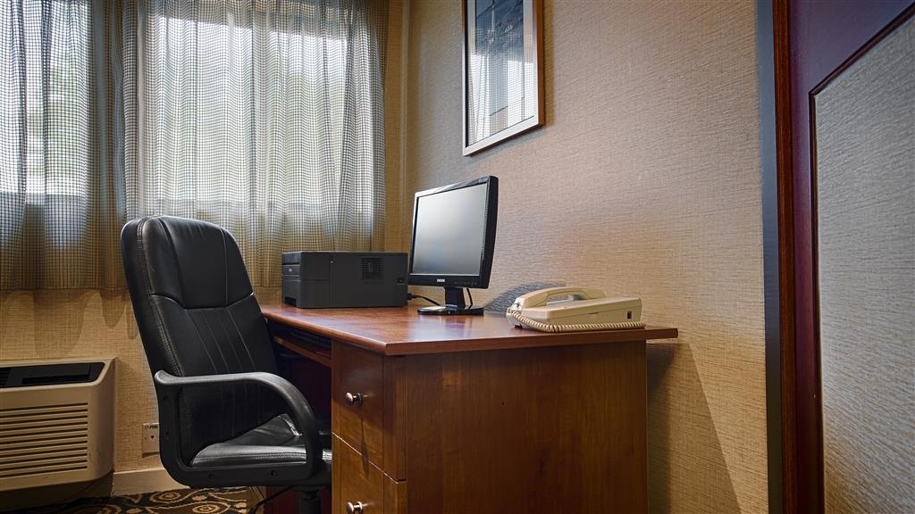 Best Western Rockland - Never miss a beat while on the road with complimentary free wireless Internet in our business center.