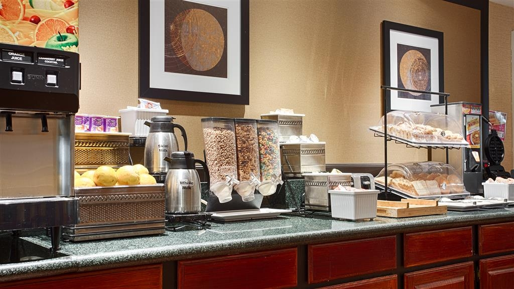 Best Western Rockland - Start your day off right with a complimentary full breakfast.