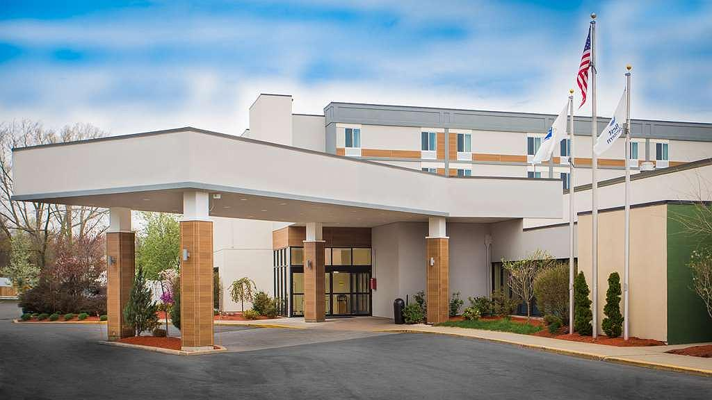 Best Western Plus New Englander - Vista exterior