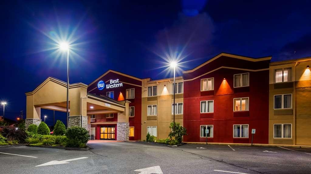 Best Western Providence-Seekonk Inn - Façade