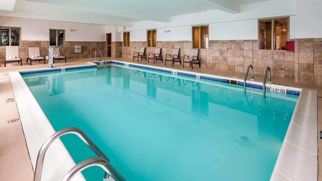 Best Western Providence-Seekonk Inn - Vue de la piscine