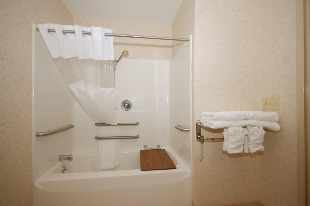Best Western Plus Berkshire Hills Inn & Suites - Our ADA mobility accessible bathroom features additional grab bars for your comfort.