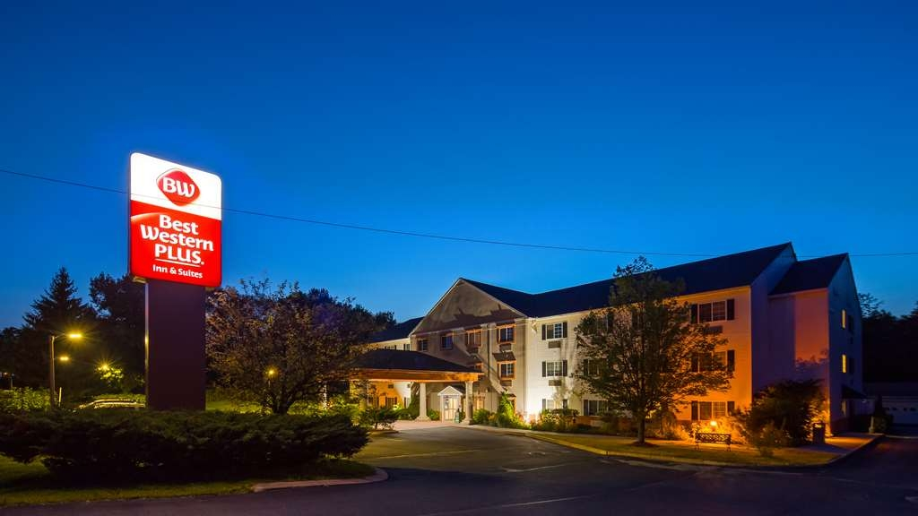 Best Western Plus Berkshire Hills Inn & Suites - Vista Exterior