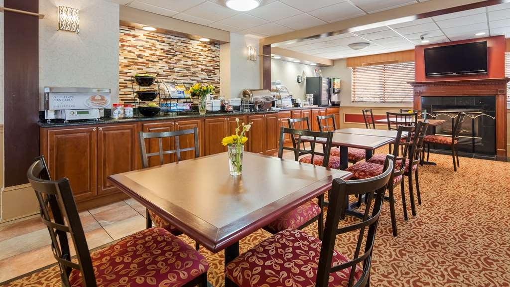 Best Western Plus The Inn at Sharon/Foxboro - Breakfast Area