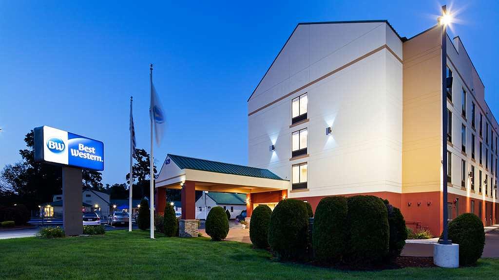Best Western Springfield West Inn - Vista exterior