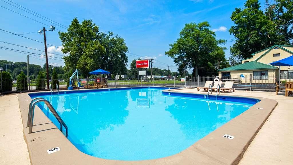Best Western Springfield West Inn - Piscina
