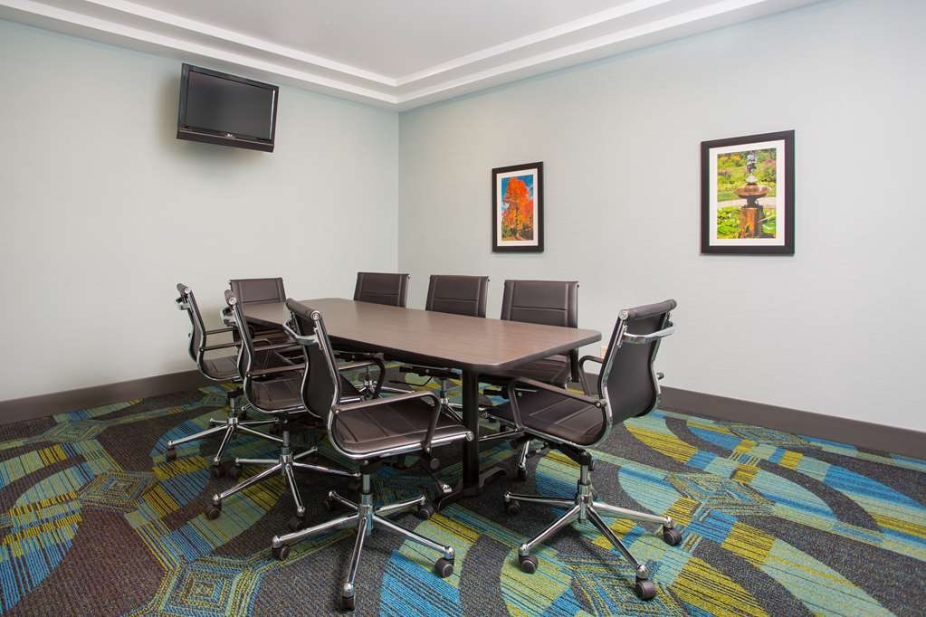 Best Western Plus North Shore Hotel - Boardroom, 200 sq ft of space with a boardroom table and comfortable seating for up to 8 people