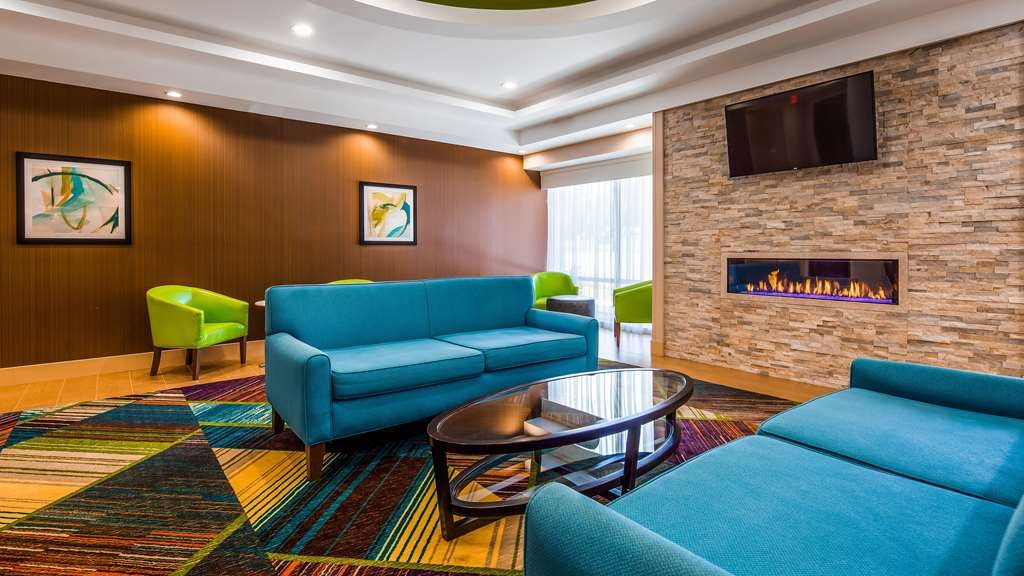 Best Western Plus North Shore Hotel - Vista del vestíbulo