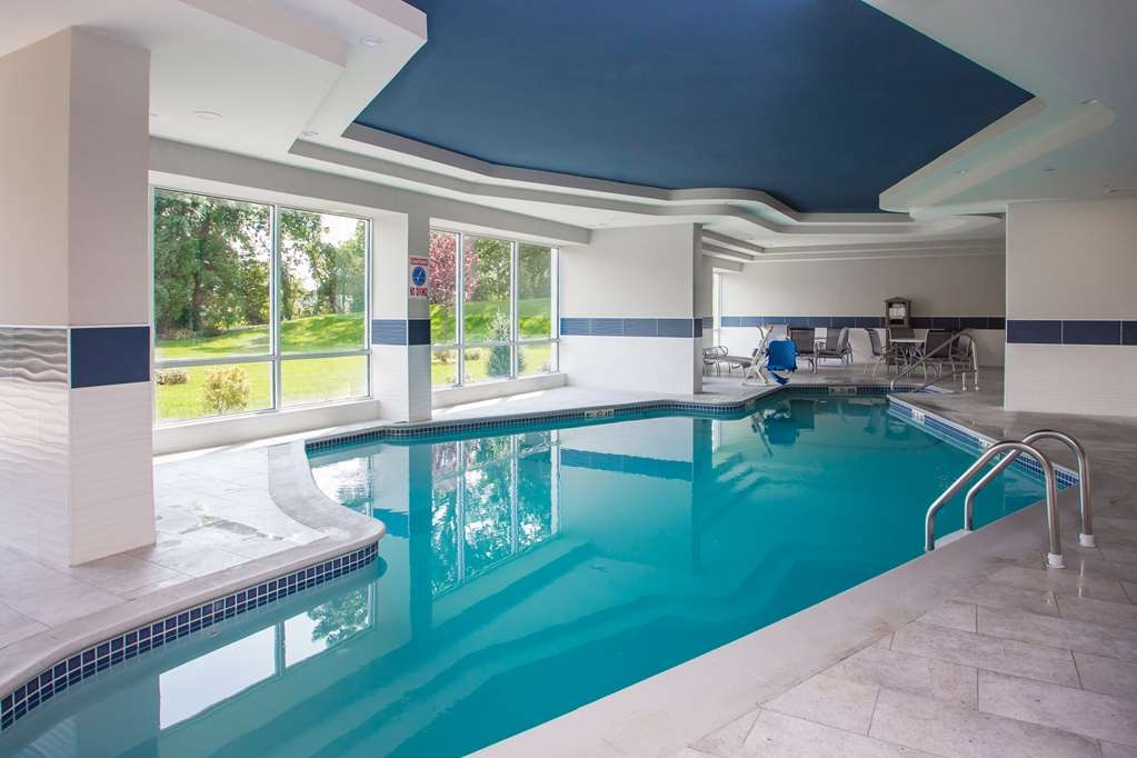 Best Western Plus North Shore Hotel - Vue de la piscine