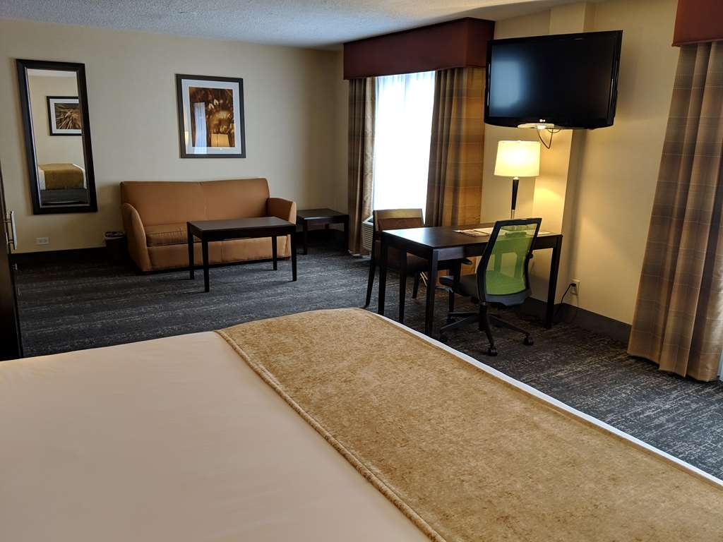 Best Western Braintree Inn - JR SUITE