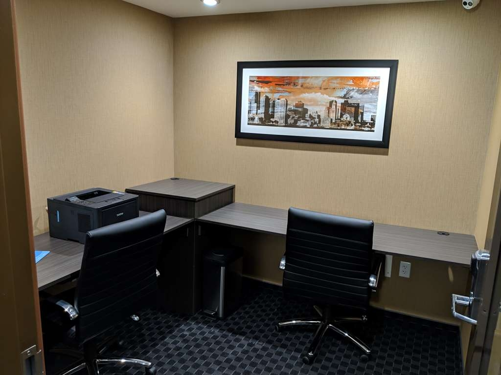 Best Western Braintree Inn - Business Center