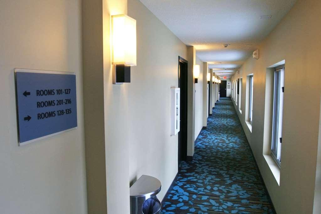 Best Western Plus Traverse City - First Floor Hallway