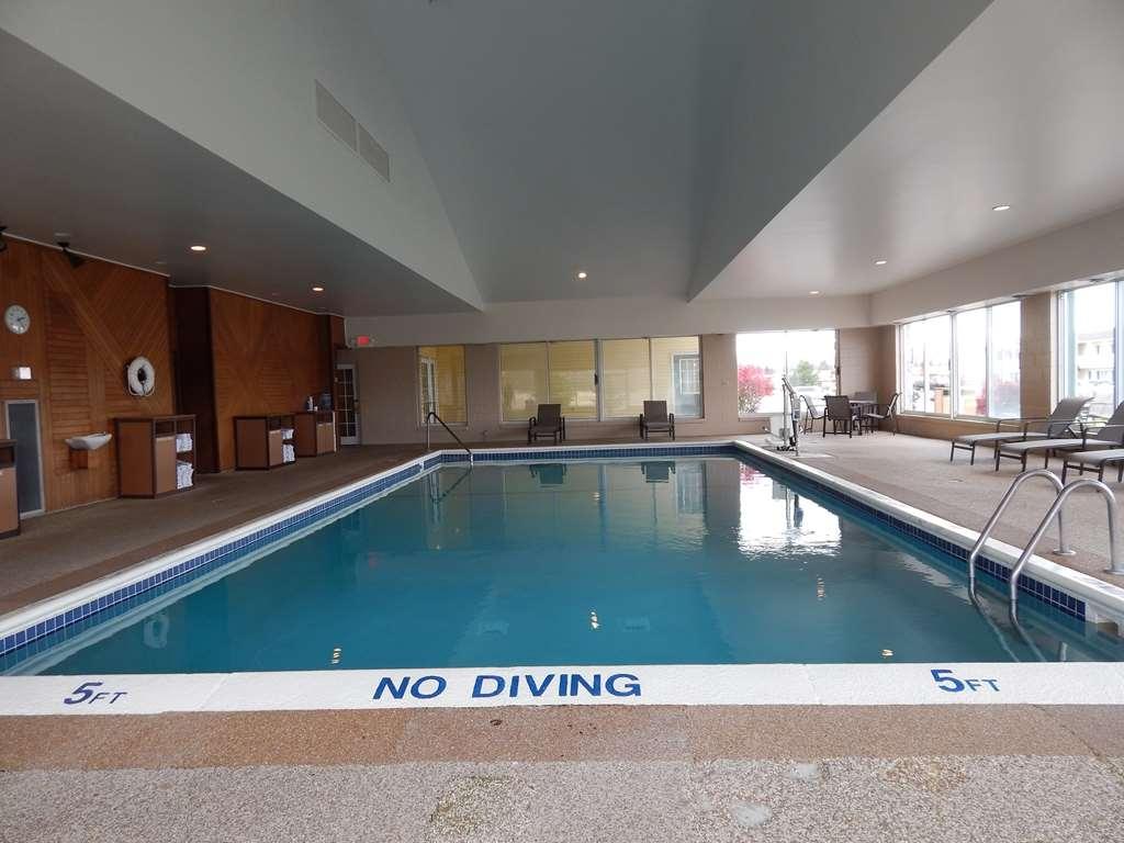 Best Western Sault Ste. Marie - Swimming Pool