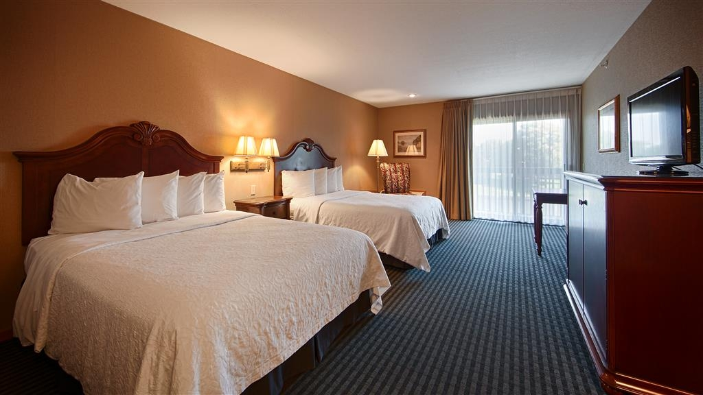 Best Western River Terrace - Two Queen Bed Guest Room